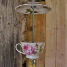 Mangeoire boutons de rose, décoration de jardin