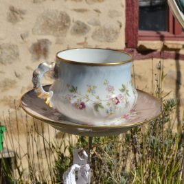 Mangeoire tasse XL vaisselle recyclée fleurie liseré doré