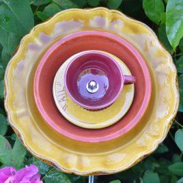 Fleur marron vaisselle recyclée