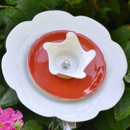 Fleur décorative pour jardin et massifs en vaisselle recyclée