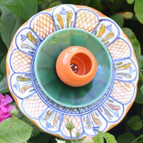 Fleur décorative pour massifs et jardin en vaisselle recyclée
