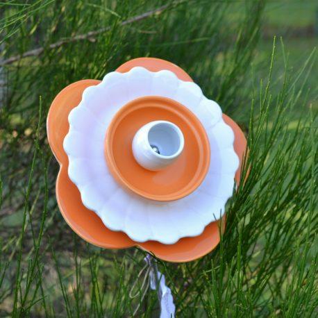 Fleur pétales orange décoraton de jardin