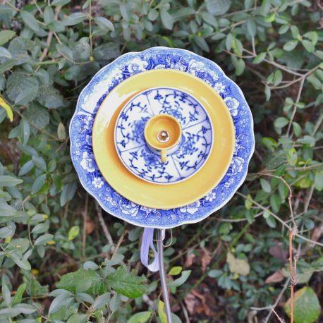 Fleur géante style anglais vaisselle recyclée