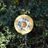 Fleur en vaisselle recyclée jaune