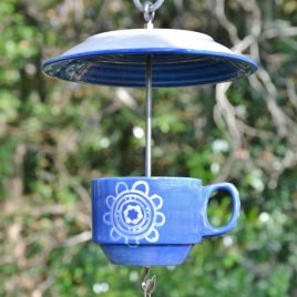 Mangeoire/abreuvoir bleu spirale en vaisselle recyclée
