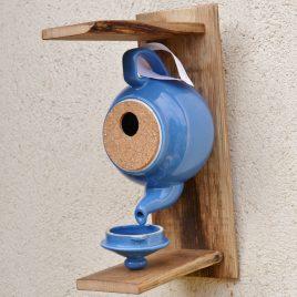 Nichoir théière bleue
