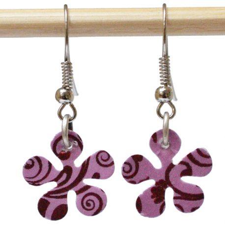 Boucles d'oreille en forme de fleur motifs Rococo violets