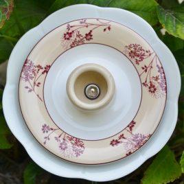Fleur en vaisselle recyclée pour pot ou parterre, décoration shabby