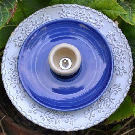 Fleur en vaisselle recyclée relief tons de bleus, décoration pot ou parterre