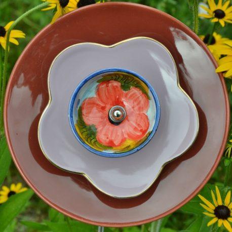 Fleur en vaisselle recyclée à planter