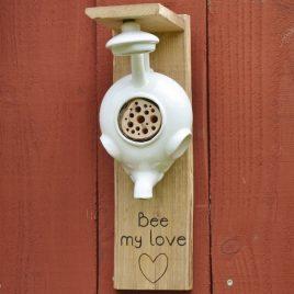 Hôtel à insectes éléphant. Bee my love !