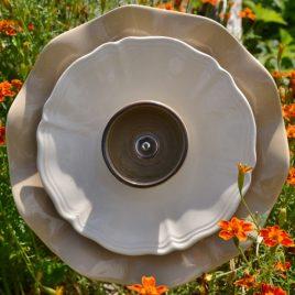Fleur pour jardinière en vaisselle recyclée