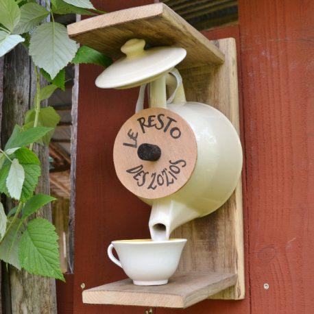 distributeur de graines théière, utile et décoratif